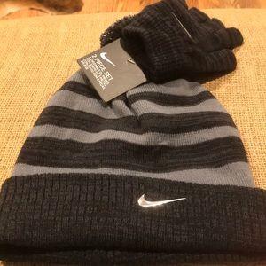 NWT Nike Hat/gloves set